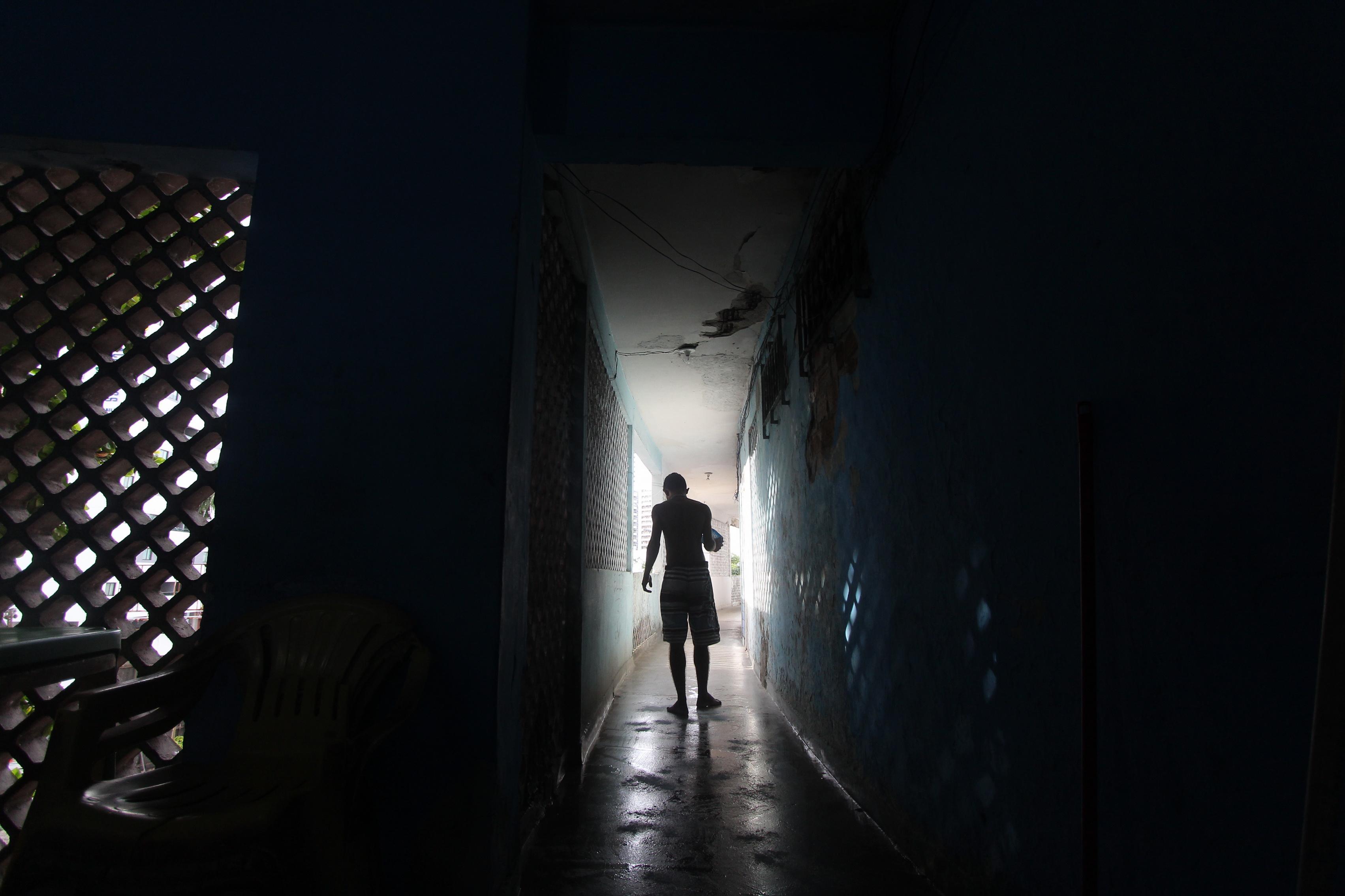 Celpe tentou cortar a luz na sexta, mas os moradores impediram a ação  crédito Mandy Olivieira Especial DP