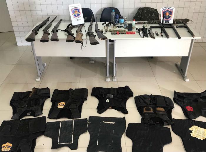 Material apreendido durante a ação. Foto: Divulgação / Polícia Militar