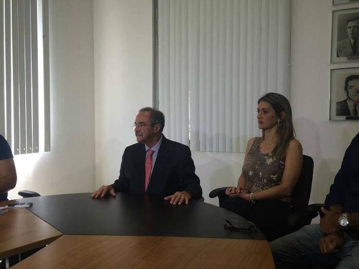 Cláudia Boudoux chegou a pedir ajuda ao secretário Pedro Eurico. Foto: Henrique Souza/arquivo DP