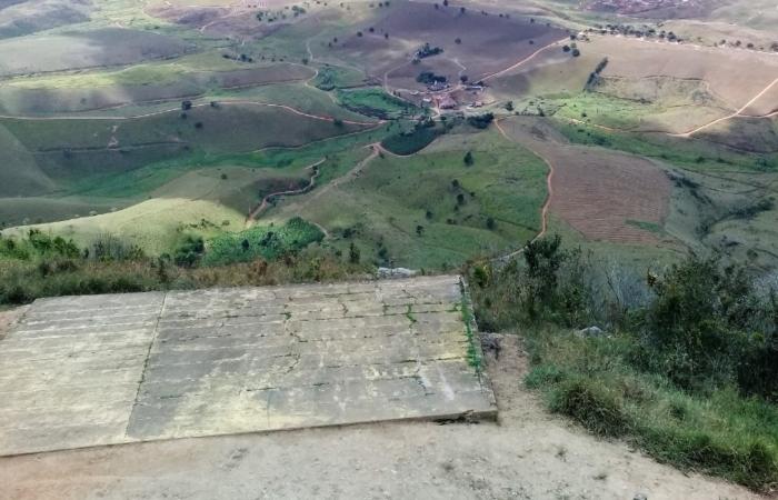 Acidente aconteceu na rampa de voo livre, na Serra do Jundiá, em Vicência. Foto: Reprodução/Google Street View. (Acidente aconteceu na rampa de voo livre, na Serra do Jundiá, em Vicência. Foto: Reprodução/Google Street View.)
