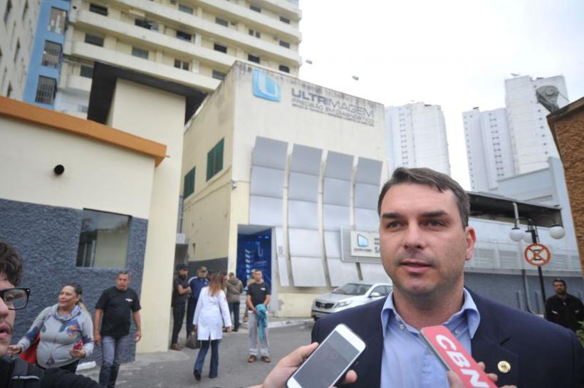 A assessoria de imprensa de Flávio Bolsonaro afirmou que o senador não vai se manifestar sobre o caso. Foto: Alexandre Guzanshe/Estado de Minas