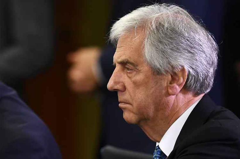 Guido Manini Ríos se rebela contra reforma das pensões militares promovida por Tabaré Vázquez. Foto: Evaristo Sa / AFP