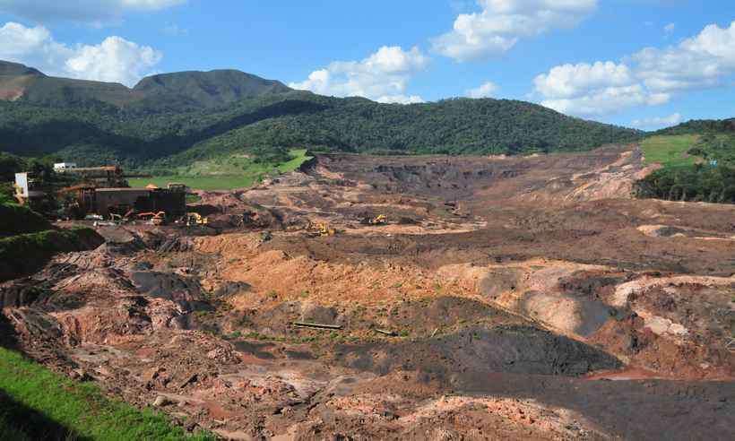 Local onde ficava a barragem I, que se rompeu e matou 203 pessoas até o momento. Foto: Gladyston Rodrigues/EM/D.A PRESS