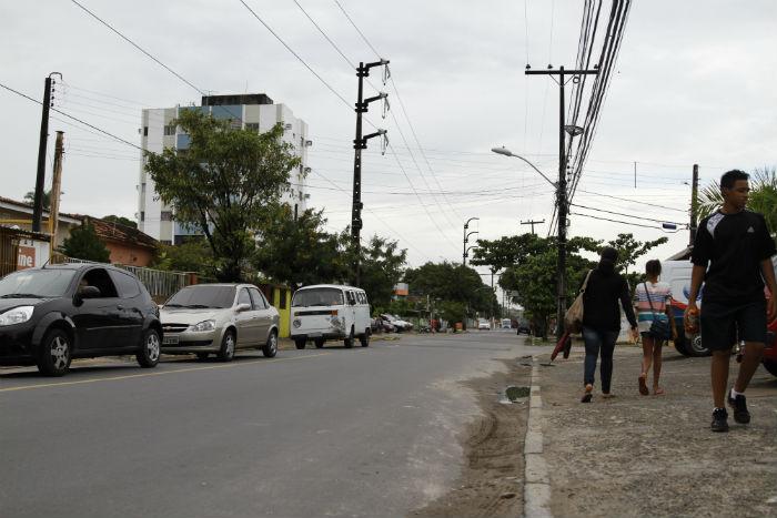A intervenção acontece no trecho entre as ruas Othon Paraíso e Odorico Mendes. Foto: Blenda Souto Maior/DP.