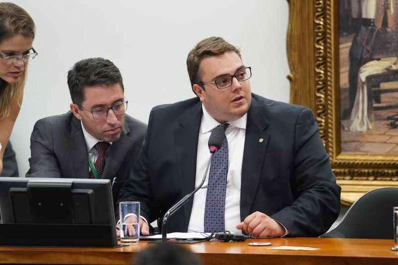 Francischini pretende conversar com o Planalto e com Rodrigo Maia antes de bater o martelo em relação ao relator. Foto: Pablo Valadares/Camara dos Deputados