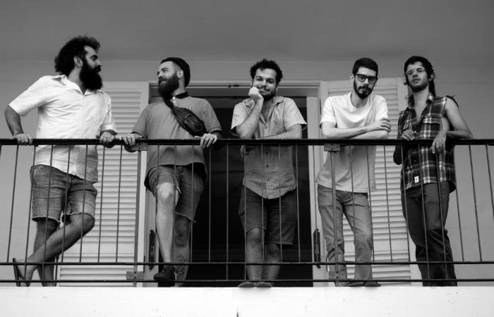 Da esquerda para direita: Daniel, Kildare, Carlos, Bernardo e Pedro. Foto: Jonatan Azevedo/Divulgação