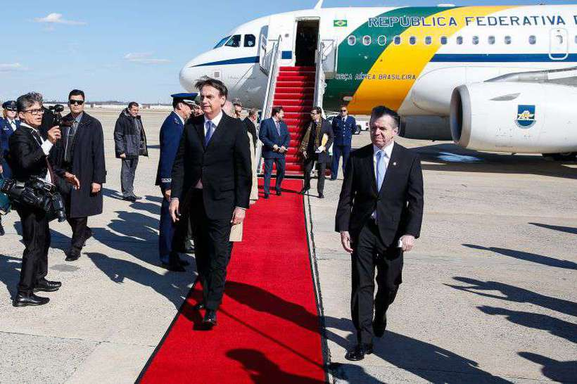 Bolsonaro desembarca nos EUA: humor afetado por críticas de guru. Foto: Isac Nóbrega/PR