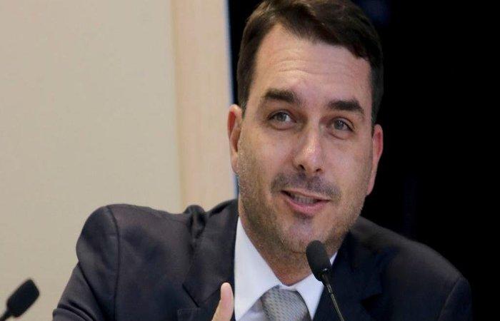 Fl�vio Bolsonaro: viagem do pai aos EUA cumpre promessa de campanha