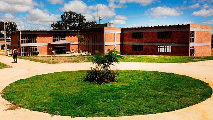 Instituição tem cerca de 2 mil alunos. Foto: UFRPE/Divulgação.