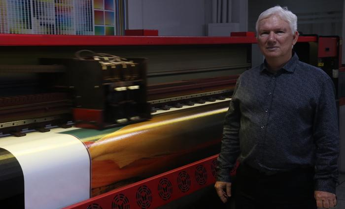 Filho do empresário Pedro Murilo Santos, fundador da empresa, Mauro Santos conta que negócio teve início após viagem aos EUA. Foto: Gabriel Melo /DP