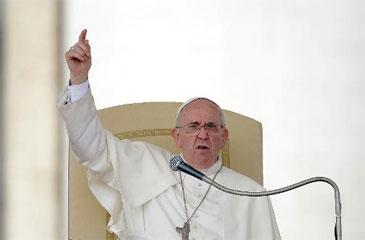 """""""Como Igreja, propomos uma concepção de família que é a do Gênesis, a unidade na diferença entre homem e mulher"""", disse (Filippo Monteforte/AFP Photo)"""