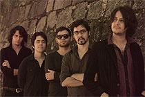 Vídeo de Ilhas Cayman, faixa do álbum Movido a Vapor, foi gravado na Alemanha e no centro do Recife (Divulgação)