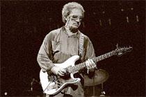 O guitarrista norte-americano sofreu um ataque cardíaco. Ele tinha 74 anos e gravou 14 discos (Reprodução)