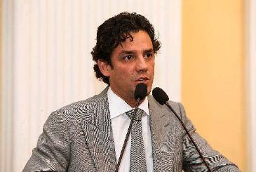 Uma das peças é estrelada pelo deputado estadual Daniel Coelho, liderança em ascensão no partido após eleição de 2012 (Roberto Soares/ Assembleia Legislativa.)