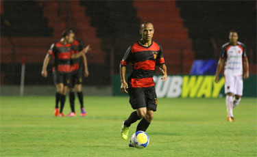 Recuperado de les�o, Ananias comemora chance de jogar a final do PE (Paulo Paiva/DP/D.A.Press)