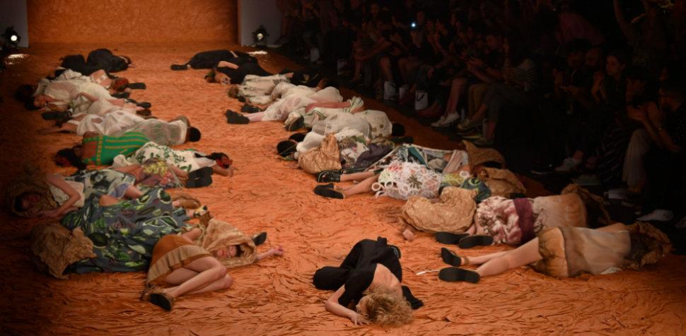 Moda com inclusão social (Nelson Almeida/AFP)