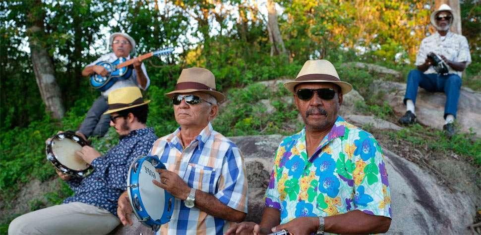 Mestres do coco gravam DVD em show gratuito no Teatro Santa Isabel (Kalandra Comunicacao/Divulgacao)