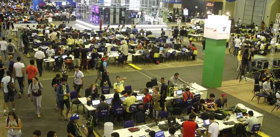 Campus Party Recife inscreve volunt�rios (Ricardo Fernandes/DP/D.A Press)