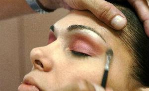 Dicas f�ceis e simples para fazer uma maquiagem perfeita (Divulga��o)